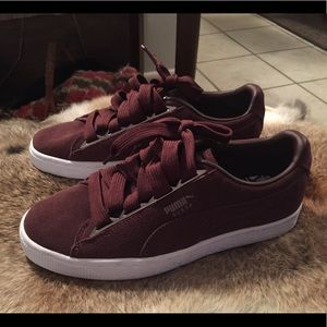 Puma suede, brand new, no tags, size 6 women's